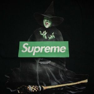 Supreme Witch Box Logo Tee 🔥